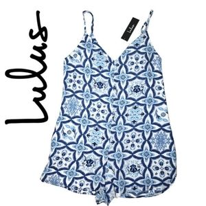 Lulus nwt size small blue and white shorts romper